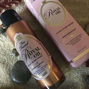 Too Faced Royal Oil Bronzing Oil